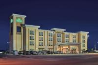 La Quinta Inn & Suites Carlsbad Image