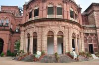 Raj Niwas Palace Image