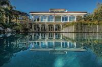Sicilia's Residence Image