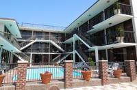 Alamar Resort Inn Image