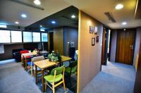 U Hotel (Ximen) Image