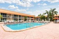 Quality Inn & Suites Tarpon Springs Image