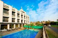 Hotel Aristro Image