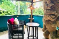 Wild Ginger Inn Hotel & Hostel Image