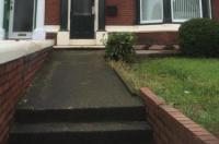 Acorn House Image