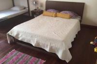 In & Basic Hostel Lounge Image