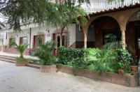 Hotel Del Lago Image