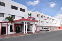 Hotel Tropicana Image