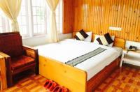 Pine Breeze Hotel Image