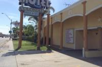 Colonial Pool & Spa Motel Image