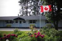 Carleton Motel & Cabins Image
