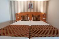 Sky Hotel Emerainville Image