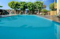 La Quinta Inn & Suites Irvine Spectrum Image