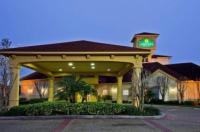 La Quinta Inn & Suites Usf (Near Busch Gardens) Image