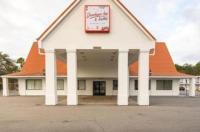 Travelodge Inn & Suites Jacksonville Airport Image