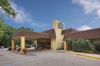 La Quinta Inn & Suites Armonk Image