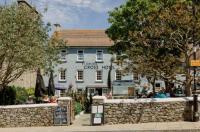 St. Davids Cross Hotel Image