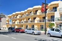 Shoreline Motel Image