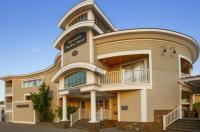 Hyannis Harbor Hotel Image