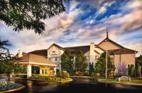 The Lotus Suites at Midlane Golf Resort Image