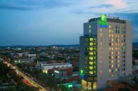 Holiday Inn Express Semarang Simpang Lima Image