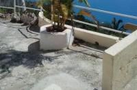 Ocean Breeze Hotel Image