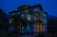 Calm Holiday Inn Image