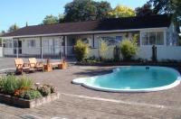 Acorn Estate Motel Image