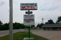 Holiday Pines Motel Image