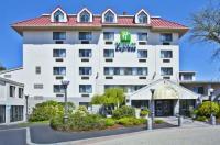 Holiday Inn Express Waltham Image