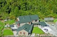 Mahitahi Lodge Image