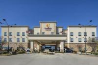 Comfort Suites Batesville Image