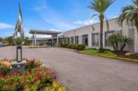 Clarion Inn & Suites Orlando Image