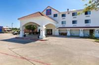 Motel 6 Bedford Image