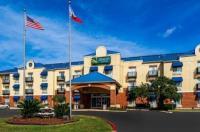 Quality Suites San Antonio Image