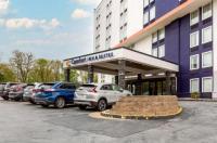Comfort Inn & Suites Alexandria Image
