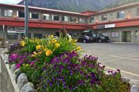 Hotel Deoro Image