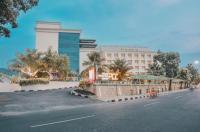 Grand Inna Padang Hotel Image