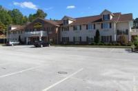 Western Inn & Suites Hampton Image