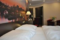 Hotel Atrium Image