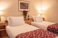 Pery's Hotel Image