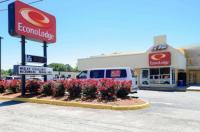 Econo Lodge Airport Image