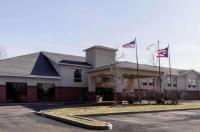 Quality Inn & Suites Oakwood Village Image