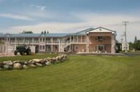 Great Lakes Inn Mackinaw City Image