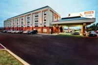 Hampton Inn St. Louis/Westport Image