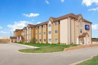 Microtel Inn & Suites By Wyndham Cotulla Image