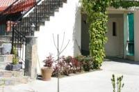 Karvounas Cottages Image