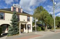 Totem Motel Image