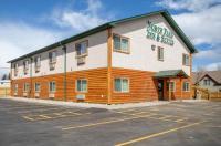 North Park Inn & Suites Image