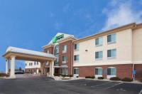 Holiday Inn Express Hotel & Suites Cincinnati-Blue Ash Image